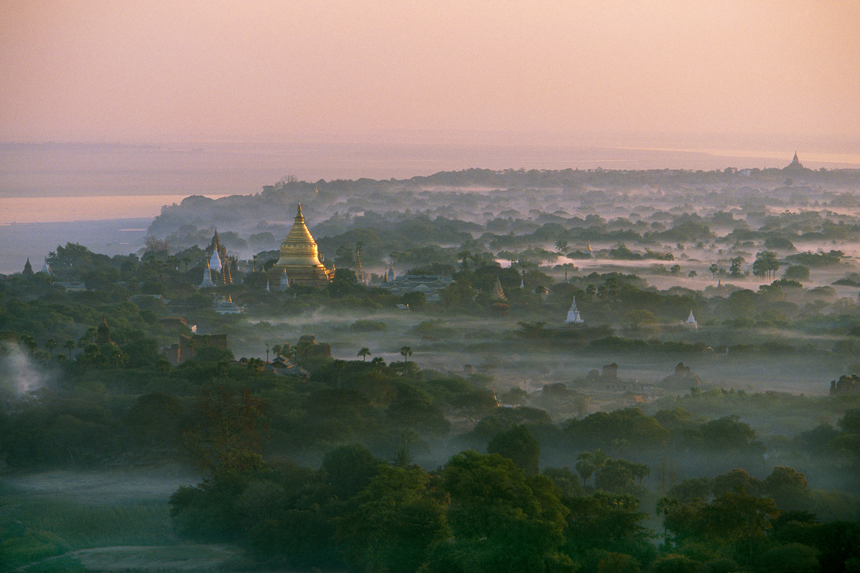 MM7200_0016_Bagan-Dawn2.jpg